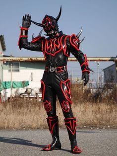 Kamen Rider Kabuto, Super Soldier, Monster Design, Super Hero Costumes, Power Rangers, Knight, Character Design, Superhero, Fictional Characters
