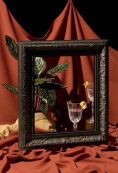 "Frame Me - Stillleben - The title of this photography series is ""Frame Me"". A look behind the composition of an image, - Object Photography, Framing Photography, Still Life Photography, Creative Photography, Fine Art Photography, Portrait Photography, Photography Series, Photography Portfolio, Abstract Photography"
