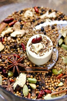 Roasted Garam Masala Recipe from Kinney Kinney Sommer {A Spicy Perspective} Garam Masala, Masala Spice, Homemade Spices, Homemade Seasonings, Desi Food, Masala Recipe, India Food, Indian Dishes, Sauces