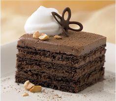 Flour Me With Love: Chocolate-Hazelnut Icebox Cake (Pampered Chef) Chocolate Hazelnut, Chocolate Desserts, Hazelnut Cake, Craving Chocolate, Chocolate Heaven, Cake Chocolate, Just Desserts, Delicious Desserts, Icebox Desserts