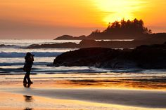 Sunset over Chesterman Beach, Tofino, Vancouver Island, Canada