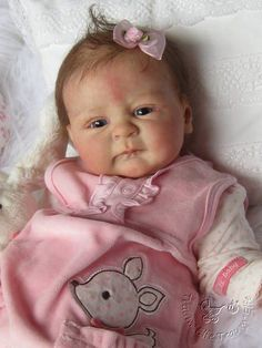 Reborn baby , any one know kit name Life Like Baby Dolls, Real Baby Dolls, Realistic Baby Dolls, Cute Baby Dolls, Bb Reborn, Reborn Child, Reborn Baby Dolls, Silicone Baby Dolls, Silicone Reborn Babies
