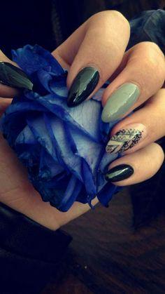 #nails #nail #nailart #grey #blue #rose