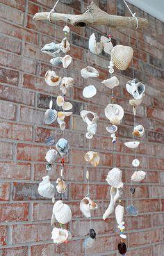 En güzel dekorasyon paylaşımları için Kadinika.com #kadinika #dekorasyon #decoration #woman #women diy-seashore-windchimes-seashells-hanging-design