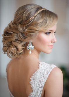 Long Wedding Hairstyles and Bridal Updo Hairstyles for Long Hair from elstile-spb 21