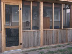 Screened in back porch using pallets???
