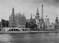 From left to right, the flags of Belgium, Norway and Germany,   during the Universal Exhibition of 1900.