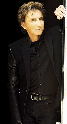 Barry Manilow - Missing his concert! Boo!