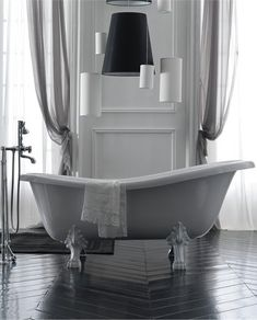 Classic style freestanding #bathtub ETHOS by GALASSIA | #Design Antonio Pascale #bathroom #interiors
