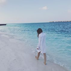 #Throwback: This time last week road testing our nightshirt in the #Maldives @conrad_maldives