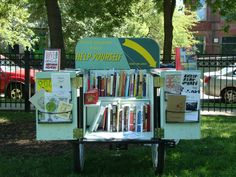 """Click through for the 2010 story of how """"Chicago Park District Shuts Down Book Bike"""" -- Seems a shame to do that to someone promoting literacy by giving away free books in his free time. Little Free Libraries, Little Library, Free Library, Library Cart, Mobiles, Mobile Library, Dream Book, Library Programs, Cozy Nook"""