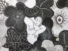 """Une photo prise dans la galerie L'Ecurie de l'hôtel de Guines, à Arras, lors de l'exposition """"Accords majeurs"""" du collectif Artzimut. Se mêlaient dans cette galerie des oeuvres de Sophie Huet (meubles, objets) et de Hafem (bandes, panneaux, plaques). Les Oeuvres, Minnie Mouse, Disney Characters, Fictional Characters, Abstract, Artwork, Photos, Radiation Exposure, Furniture"""