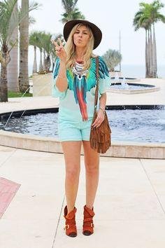 look_do_dia_moda_fashion_cade_meu_blush_fato_basico_love_lee_acessorios_anos_70_blusa_ampla_verde_menta_shorts_bota_boho_estilo_rochelle_lunkes_producao_de _moda 8