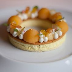 Citron Ponderosa, Mikan, bergamote, cédrat et pomelo (Anne Sophie Pic)  #plating #presentation