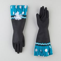 Polka Dot Dish Gloves.