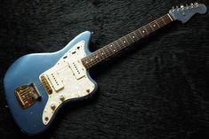 White Witch Hat, Lake Placid Blue, Fender Japan, Epiphone Les Paul, Les Paul Custom, Toyama, Blue Bodies, Black Oil, Cool Guitar
