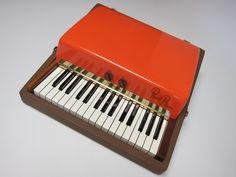 Fender-Rhodes Piano Bass 1961