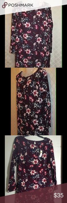 """FINAL CLEARANCE THIS WEEKEND  ONLY GAP FLORAL DRES Gap floral dress. It's beautiful floral design dress with long sleeves. It has an extra lining . The length of the dress from the shoulder is approximately 32-33"""". It's has two pockets on the sides. The lining of the dress material is 100% polyester . The Shell material is 55%  cotton and 45 % Rayon. GAP Dresses Long Sleeve"""