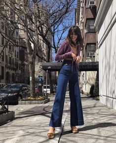 See more ideas about Hip hop style, Streetwear and Hip-hop Design. 70s Inspired Fashion, 70s Fashion, Fashion Outfits, Womens Fashion, Fashion Hair, Boho Fashion Indie, Color Fashion, Fashion Stores, Petite Fashion
