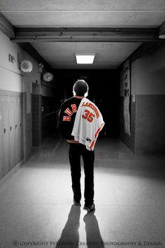 #uniqueportraitlighting #seniorphotos   www.petersoncreativephoto.com