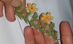 arpa-boncukdan-tig-oyasi-yapimi Bead Crafts, Beads, Floral, Flowers, Handmade, Jewelry, Friends, Towels, Crochet Edgings