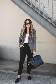 How to Style Trousers for Fall - Loafers Outfit - Ideas of Loafers Outfit - How to Style Trousers for Fall Casual Work Outfits, Business Casual Outfits, Business Attire, Office Outfits, Trendy Outfits, Fashion Outfits, Work Attire, Outfit Work, Office Attire