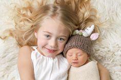 Loving my baby sister is the best! Love you Posie Rosie! Savannah Rose, Cole And Savannah, Savannah Chat, Cute Little Baby, Little Babies, Cute Babies, Cute Family, Baby Family, Family Goals
