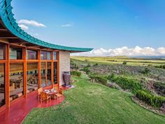 11 Frank Lloyd Wright homes you can rent right now - Curbedclockmenumore-arrow : Add some architecture to your vacation
