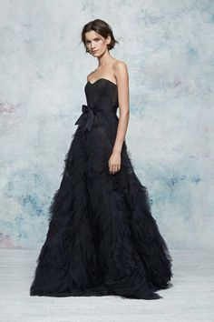 Marchesa Notte Resort 2019 Fashion Show Collection: See the complete Marchesa Notte Resort 2019 collection. Look 16 Gala Dresses, Couture Dresses, Nice Dresses, Formal Dresses, Wedding Dresses, Club Dresses, Marchesa, Beautiful Gowns, Beautiful Outfits