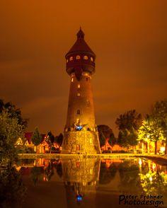 Wasserturm Heide bei Nacht