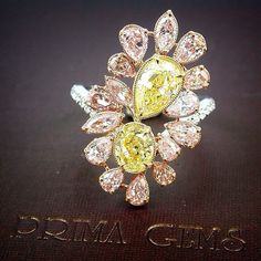 Rosamaria G Frangini | High Yellow Jewellery | Fancy colored diamond ring