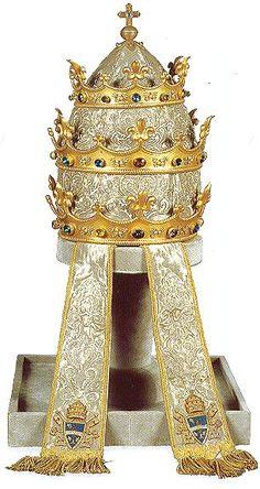 """""""Paris Tiara"""" of Pope Leo XIII, 1888."""
