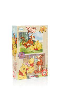 Puzzle din lemn cu celebrul personaj Winnie the Pooh in 2 imagini a cate 9 de piese.