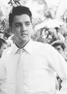Elvis on location, during the filming of 'Blue Hawaii', released in 1961.