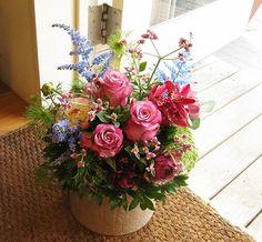 日曜夕方からは、SIKさん、アドバンスレッスン。お久しぶりですね?!なんと今年初めてかも??アドバンス、最初はお花選びから。。。。SIKさんチョイスのお花は、 小花が可愛らしいアルテルナンテラ、ブルーのアスチルベ(