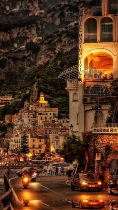 AMALFI - wonderful Sunset Panorama - vert Italia you do me so well 🍾 Places Around The World, The Places Youll Go, Places To Go, Around The Worlds, Beautiful Places To Travel, Wonderful Places, Beautiful World, Romantic Travel, Romantic Places