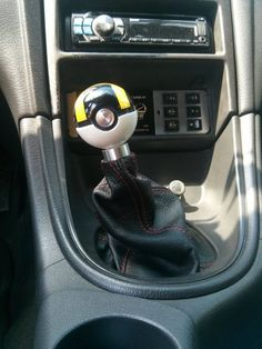 He Took The Ultraball From Pokémon And Turned It Into A Gear Shifter. Pokemon Decor, A Gear, Unique Cars, Dream Cars, Nerdy, Geek Stuff, Diy, Cool Stuff, Vehicles