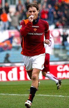 As Roma, Best Football Players, Football Is Life, Football Soccer, Football Stickers, Football Cards, Totti Francesco, Totti Roma, Football Wallpaper