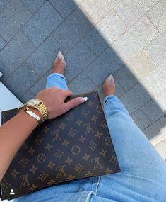 Fendi, Gucci, Shoes Photo, Best Bags, Balenciaga, Givenchy, Kanye West, Louis Vuitton Speedy Bag, Louis Vuitton Monogram