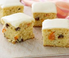 Apricot and sultana slice with lemon icing recipe - By Woman& Day, A delightful buttery slice filled with fruit, nuts and topped with an irresistible lemon icing. Lemon Icing Recipe, Apricot Slice, Apricot Cake, Sweet Recipes, Cake Recipes, Apple Tea Cake, Carrot Cake, Dried Apricots, Dried Fruit