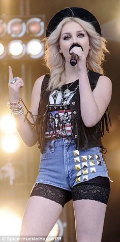 Perrie Edwards.. Let's be best friends! I love your style! We can share closets ! ;)