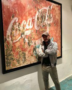 """El Pintor español, Alfredo Romero, nos muestra su obra """"Coca Cola, Vívela"""". Arte Contemporáneo, disponible en La Sala Art Gallery de la ciudad de Merida Yucatan"""