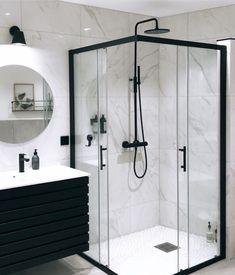 Modern Home Decor Interior Design – South Coast Home Decor Modern Bathroom Design, Bathroom Interior Design, Decor Interior Design, Modern Interior, Bathroom Designs, Bathroom Inspiration, Interior Inspiration, Cheap Home Decor, Small Bathroom