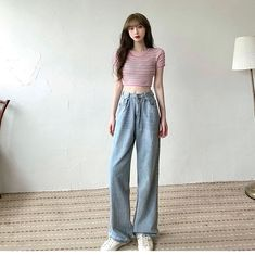 Korean Outfits, Retro Outfits, Cute Casual Outfits, Ulzzang Fashion, Asian Fashion, Wide Leg Pants Street Style, Wide Pants Outfit, Fashion Lookbook, Fashion Outfits