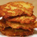 Strúhaný koláč s tvarohom a jablkami – snadnepecivo Lasagna, Ethnic Recipes, Food, Red Peppers, Meal, Essen, Hoods, Meals, Eten