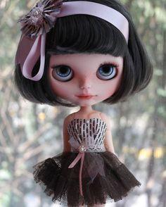 RESERVADO para M OOAK personalizada Blythe Doll Annika por BlythebyCihui