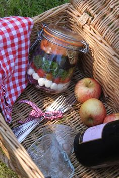 The English Can Cook: Recipe: picnic: salad in a jar