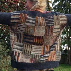 Færdigt strikkeprojekt! – Garngalleriet Mikrofarveri Jumper Knitting Pattern, Knitting Stitches, Knitting Designs, Knitting Yarn, Knitting Projects, Hand Knitting, Knitting Patterns, Crochet Shirt, Diy Crochet
