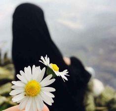 Source by erkutsevin. Muslim Couple Photography, Girl Photography Poses, Hijab Niqab, Muslim Hijab, Mode Abaya, Mode Hijab, Hijabi Girl, Girl Hijab, Muslim Girls