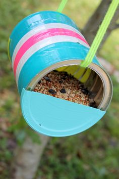 Large Can to Bird Feeders (or house with a bit of nesting material) - tutorial